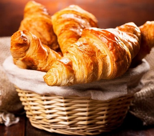 ... приготовить французские круассаны: https://vsewomens.ru/kulinarnie_recepti/kak-prigotovit-francuzskie...
