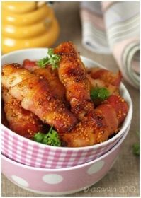 Курица в беконе: аппетитная и нежная