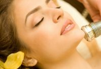 Косметические процедуры для шеи, подбородка и декольте