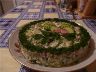 Как делать салат оливье с креветками грибами и икрой— 3 рецепта