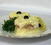 Салат Мимоза с сыром— низкокалорийный