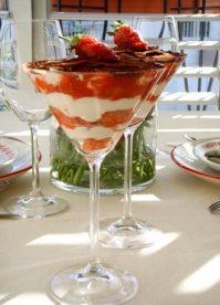Тирамису с клубникой— Вот что стоит приготовить на десерт