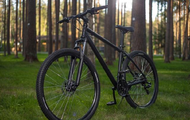 чёрный велосипед