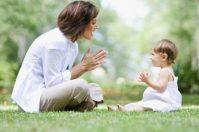 Во сколько дети начинают говорить и от чего это зависит