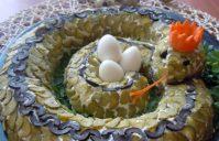 Салат «Змея» — украшение праздничного стола