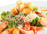 Рецепт салата Цезарь с сухариками