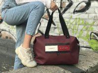 Модно и практично: как выбрать женскую сумку от Tommy Hilfiger